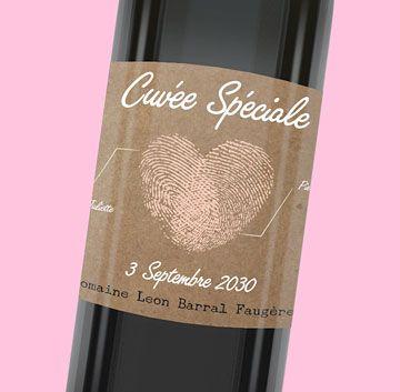 Etiquette de bouteille mariage vintage pour illustrer votre amour par l'union de vos deux empreintes, réf.N300673
