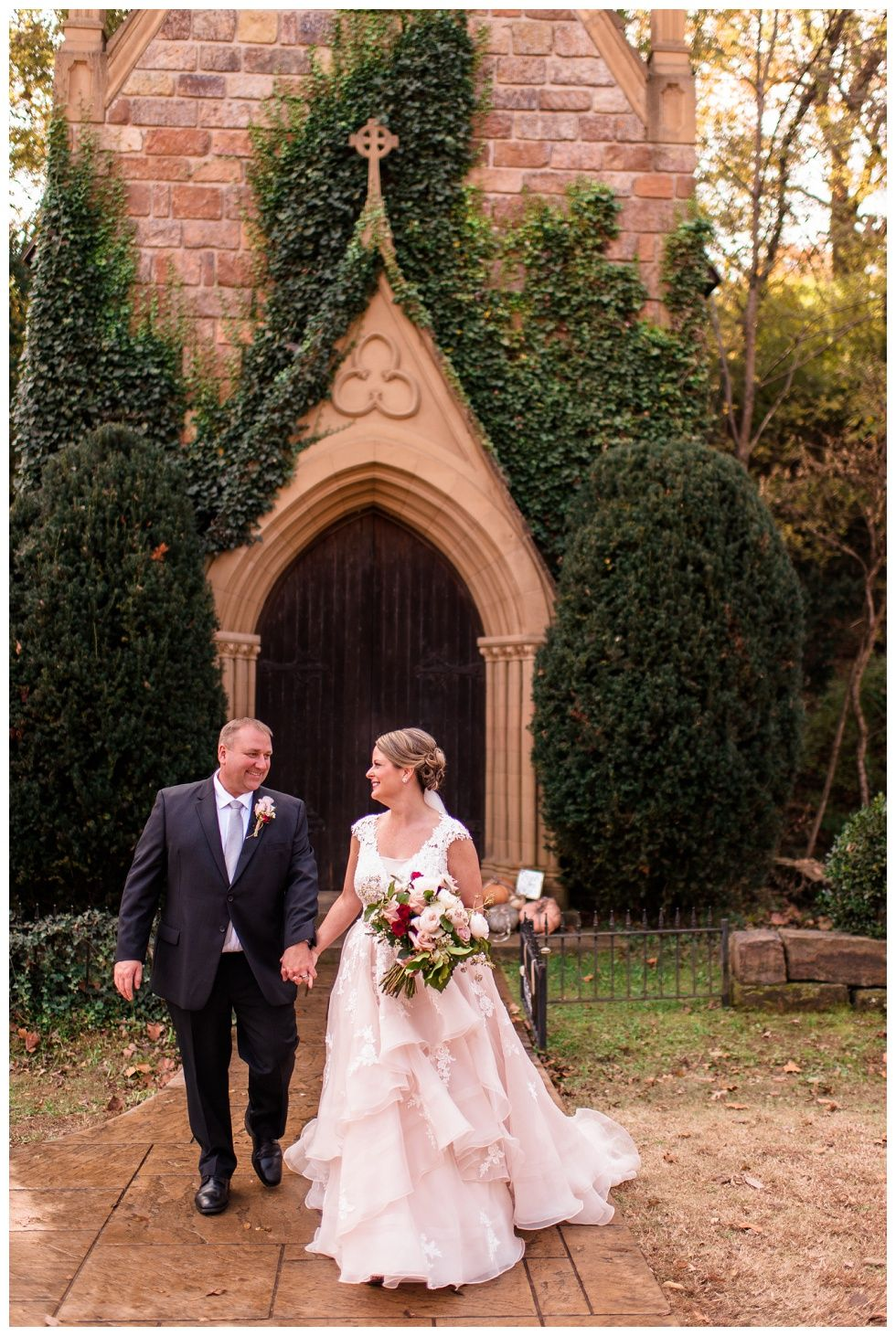Jennifer + Chris | St Catherine\'s at Bell Gable Wedding ...