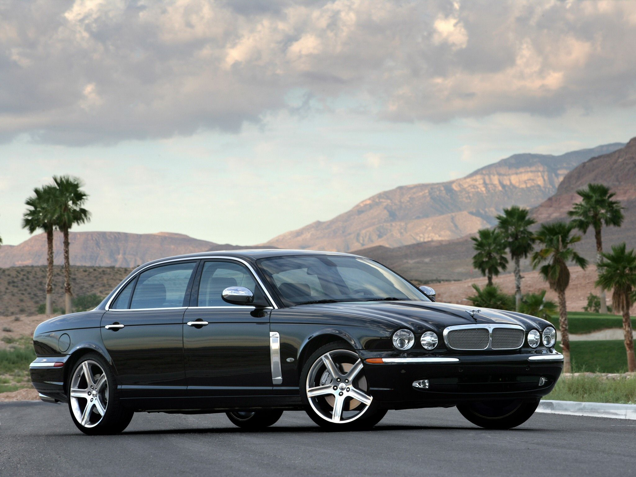Luxury Vehicle: Jaguar Xj, Jaguar, Jaguar