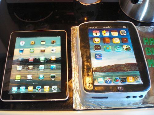 Creative and Unique Cake Designs iPhone cake FOOD Yummm