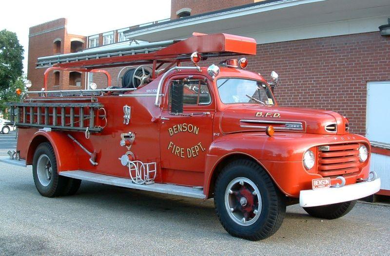 1950 Ford Fire Truck W Howe Pumper Fire Trucks Fire Department