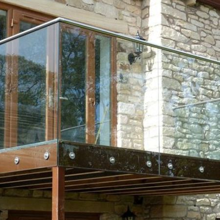 50 Incredible Glass Railing Design for Home Blacony 42 – Hoommy.com
