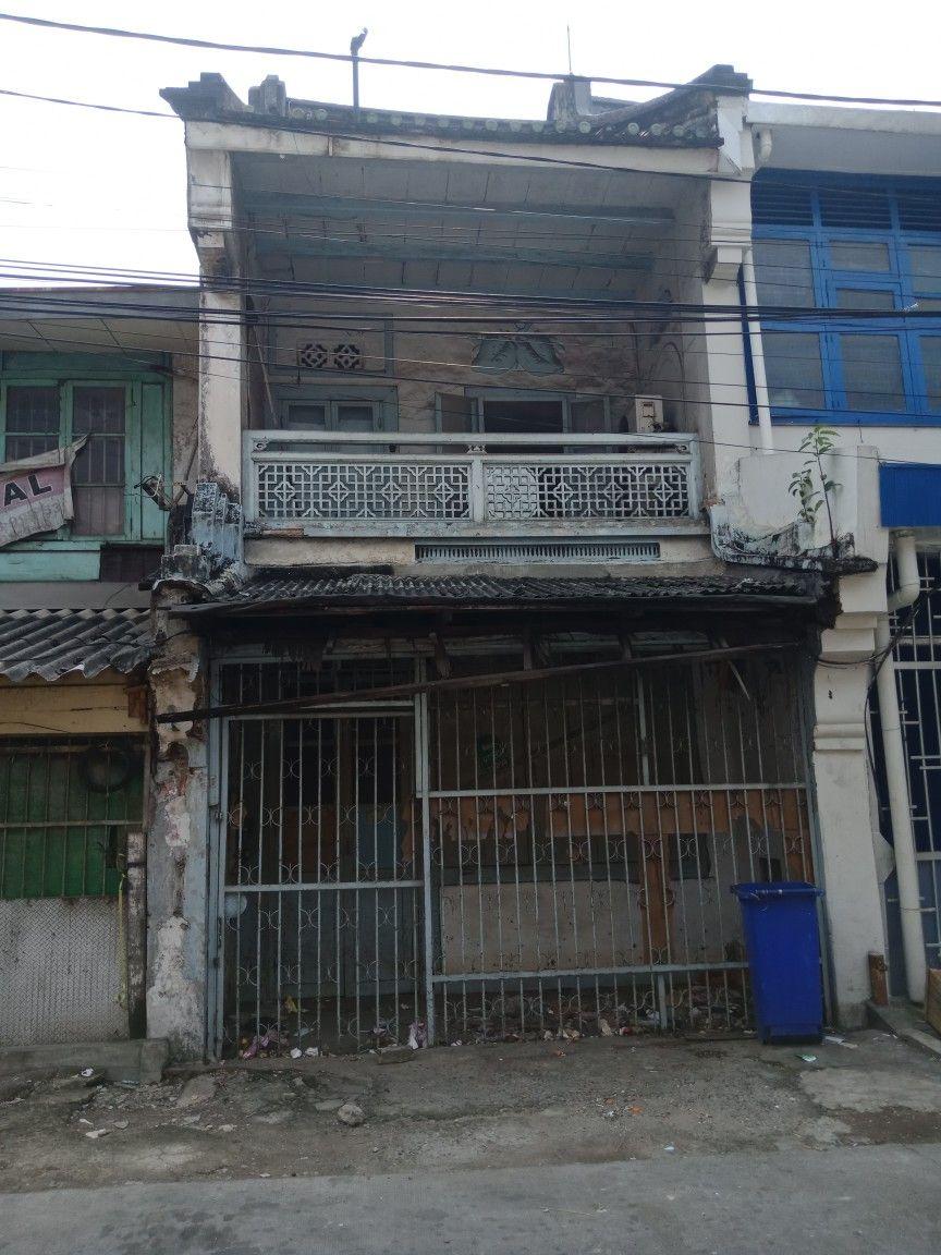 Pin Oleh Lie Kristo Di Oud Batavia Chinatown