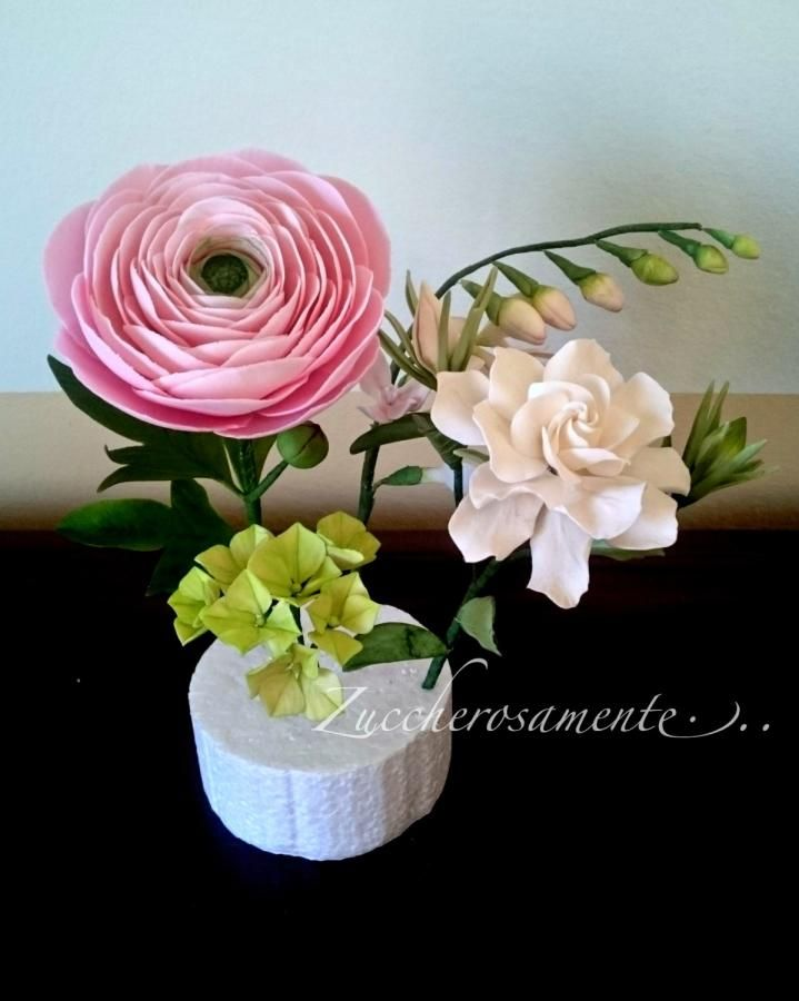 Gumpaste Ranunculus Freesia Hydrangea And Gardenia Sugar Flowers Chocolate Flowers Edible Flowers