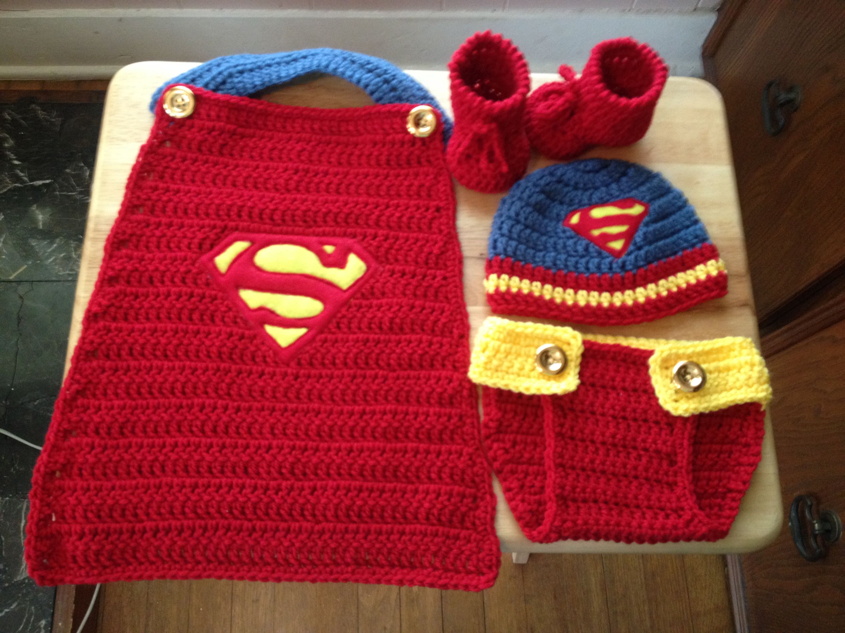 Hand crocheted Superman set ideal for your newborn\'s first photo ...