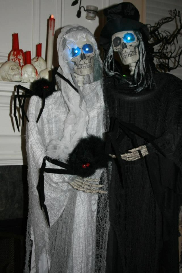Photo Credit Cindy Sangerman - Grandin Road\u0027s Spooky Decor