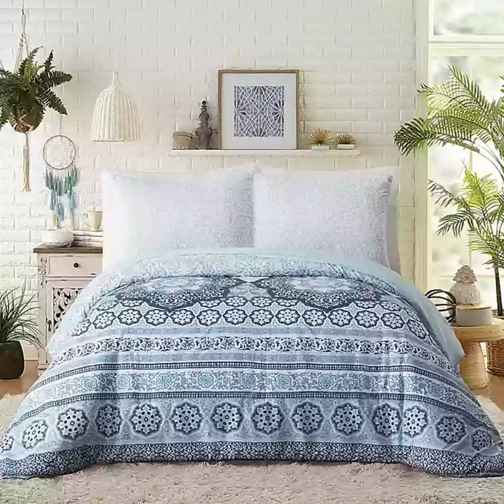 Score Up To 75 Off Fall Bedding At Bed Bath Beyond S Epic Semi Annual Clearance Comforter Sets Bed Bath And Beyond Pattern Comforters