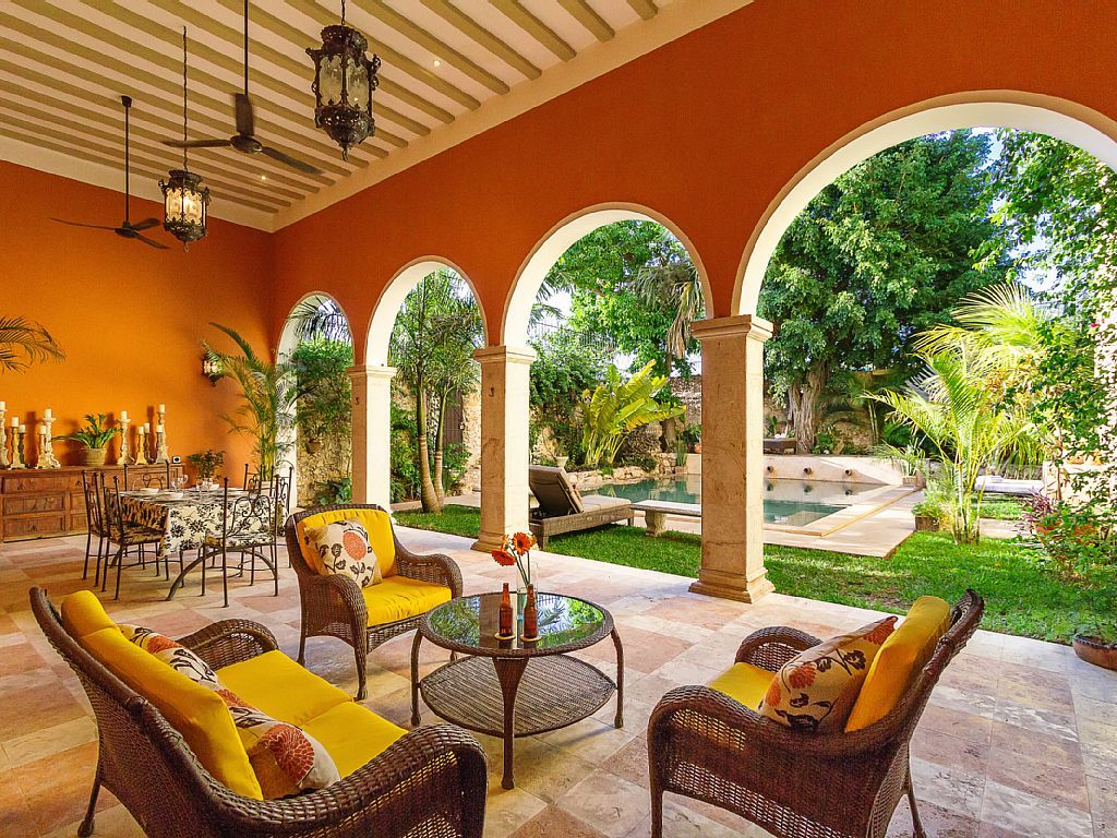 Feel like a celeb lounging in your Mérida, Mexico
