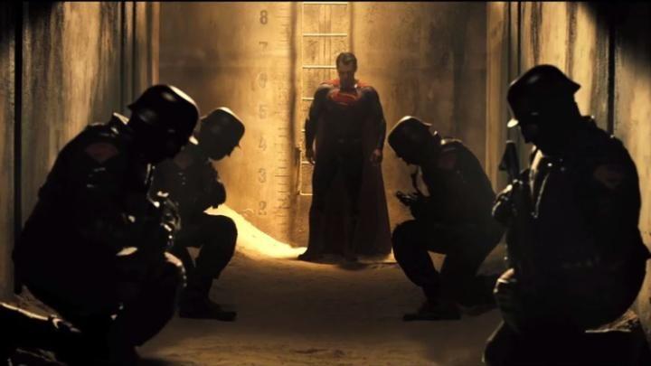 CCL - Cinema, Café e Livros: Superman is furious in new clip from Batman v Supe...