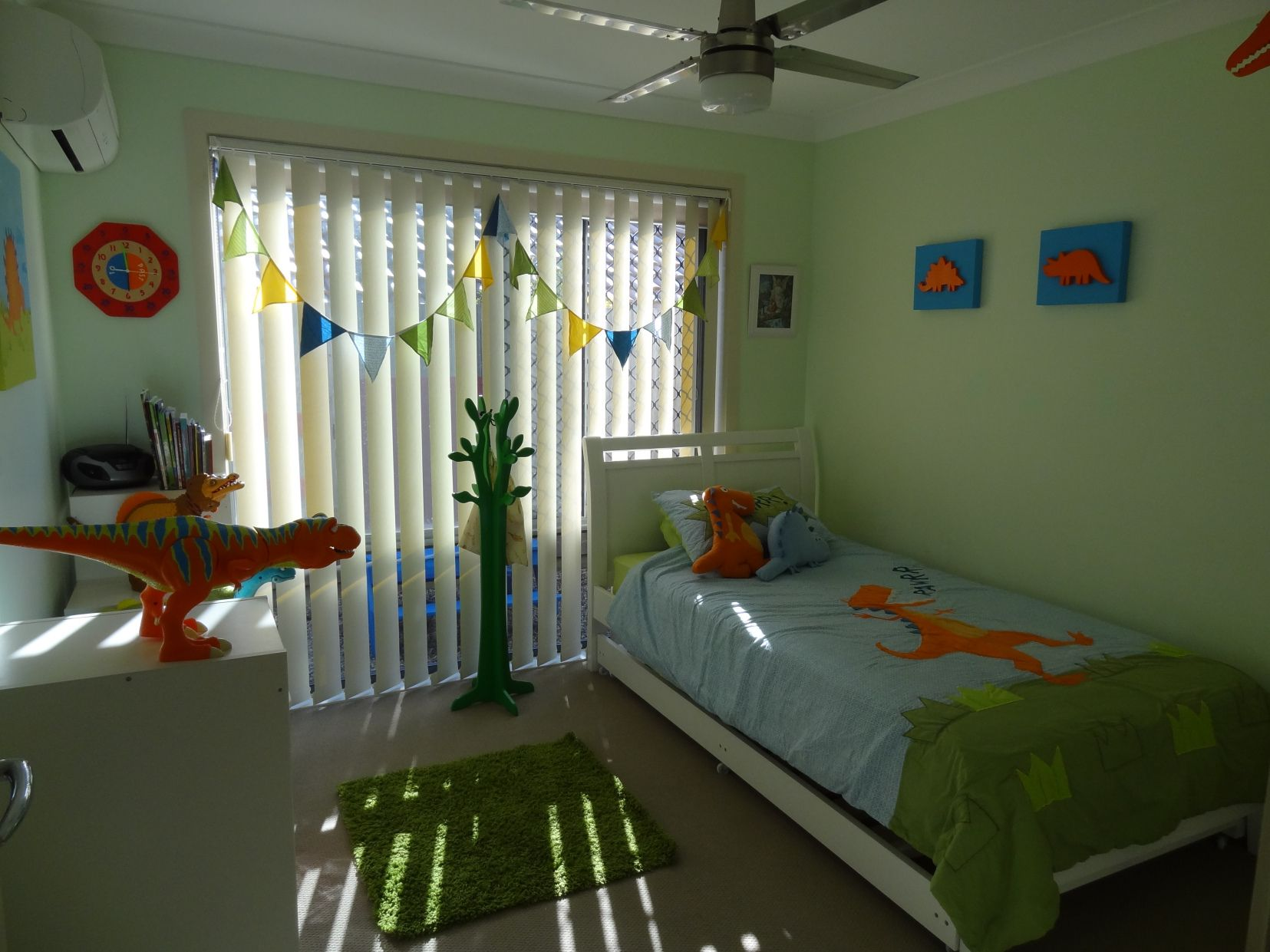 Best 2018 Little Boy Dinosaur Room Ideas Ideas For A Small 400 x 300