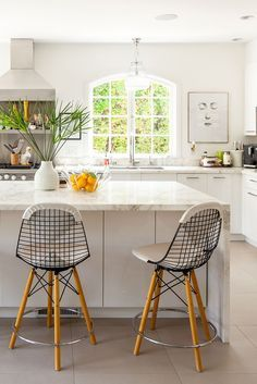 Designer Tamara Kaye-Honey creates a family-focused retreat that marries her cozy Canadian upbringing with her laid-back California lifestyle.