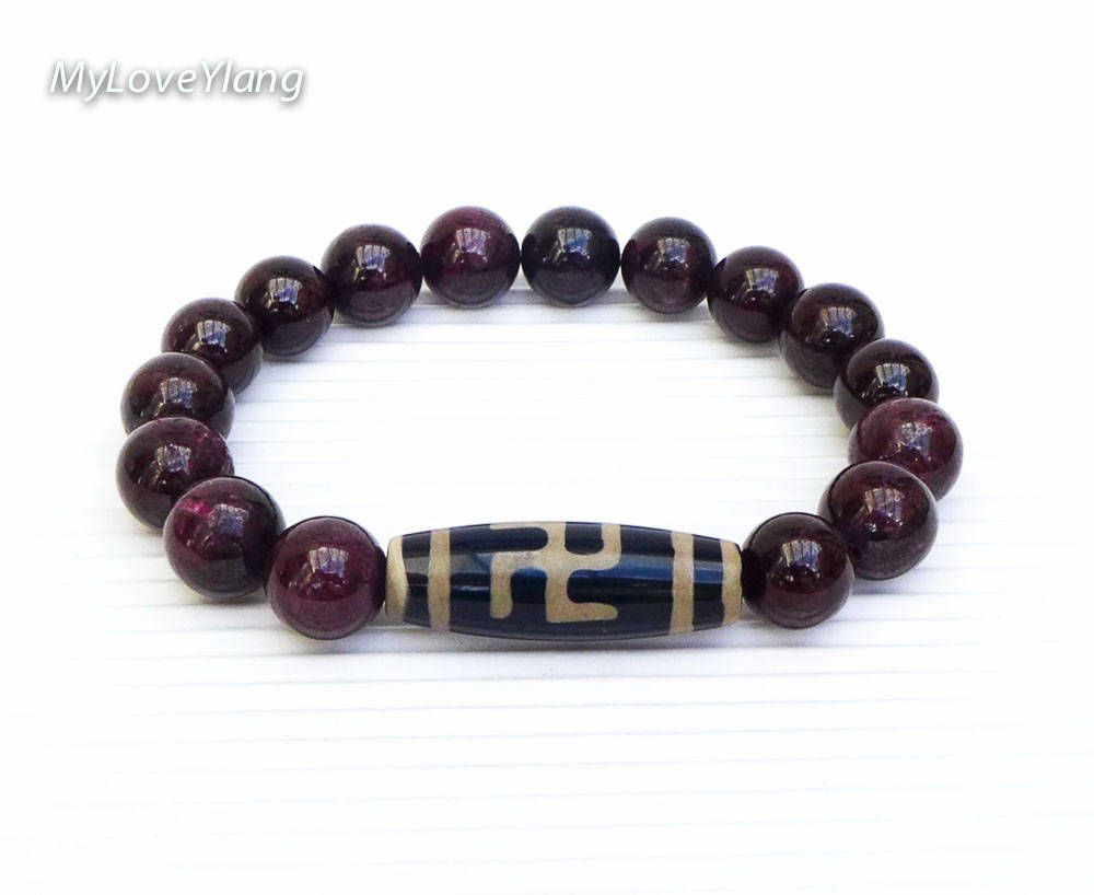 Red natural stone Buddha bracelet.Increase positive energy Purple