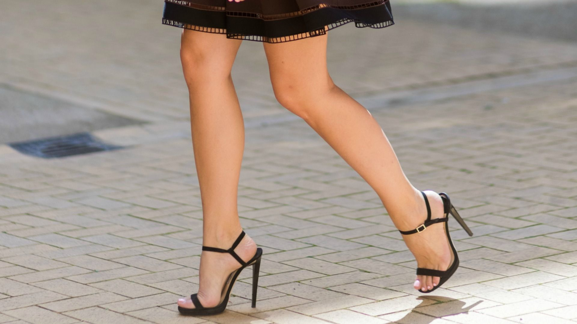 Here's Exactly What Happens When You Get Your Legs Waxed