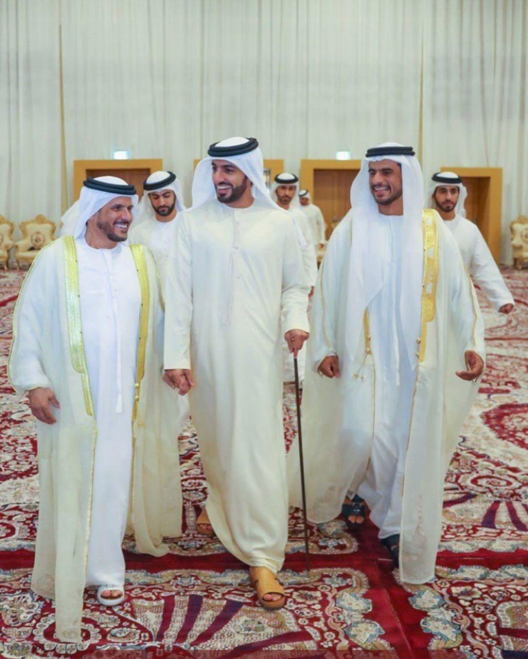 شكرا لسمو الشيخ راشد بن حميد بن راشد النعيمي على تشريفي في عرسي اليوم Rrr Ajman Dubai Emiratesroyalfamily Arab Men Fashion Academic Dress