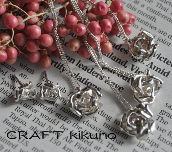 薔薇-necklace-、-pierce- by CRAFT kikuno, Japan http://www.craftkikuno.com http://www.facebook.com/CRAFTkikuno/