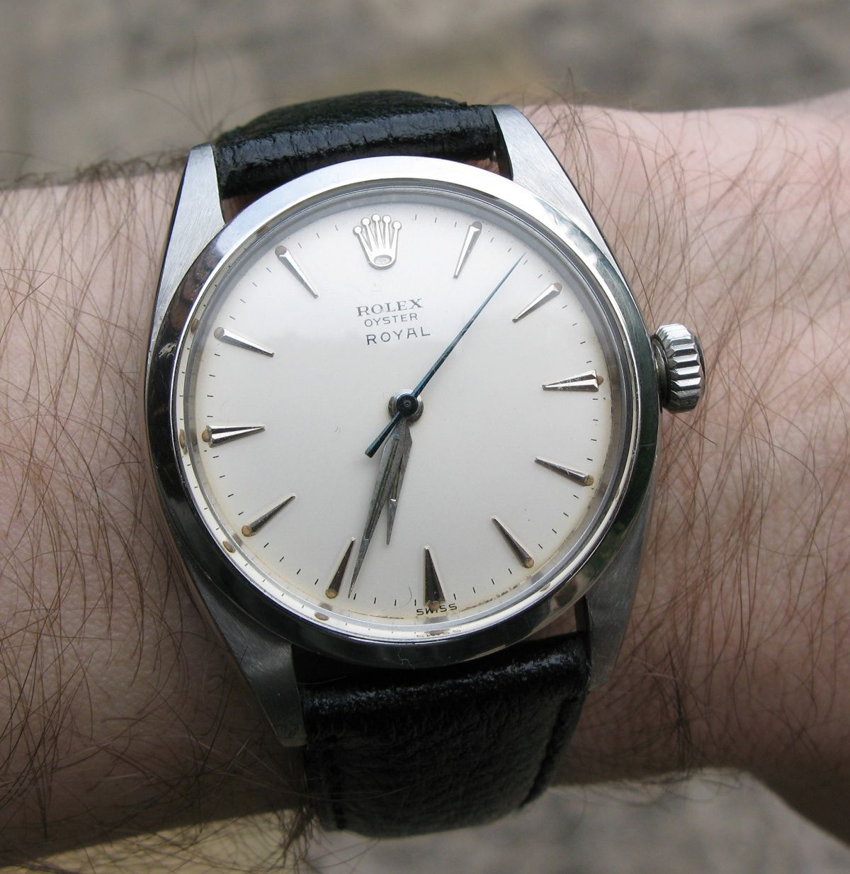 Vintage rolex oyster royal white gold in black leather strap watchmaker pinterest for Vintage rolex oyster