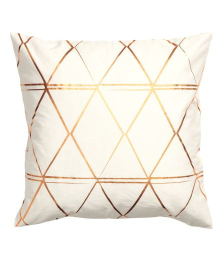 Check This Out Cushion Cover In Cotton Twill With A Metallic Print Pattern And A Concealed Zip Visit Hm Com To See More Kissen Kissenhullen Kupfer Deko