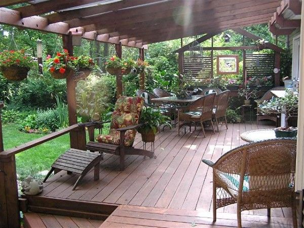 Decorate Your Deck For Outdoor Entertaining | Home is what you make ...