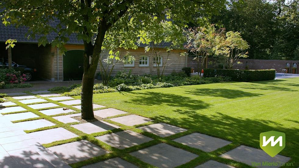 Сады в . автор u2013 van mierlo tuinen pavement pinterest