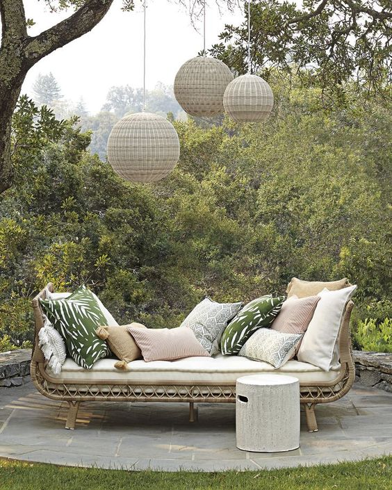 48 Stylish And Casual Outdoor Furniture Decoration Tagesbett