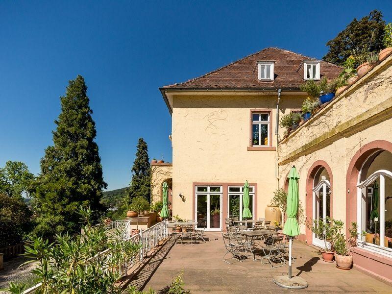 Historische Villa Wohnen Und Oder Gewerbe In Einmaliger Parklage