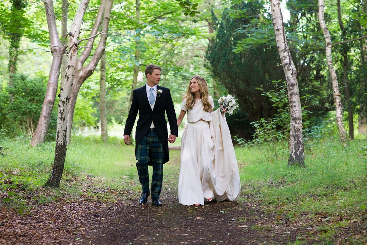 An elizabeth stuart gown for a grand scottish wedding naturae