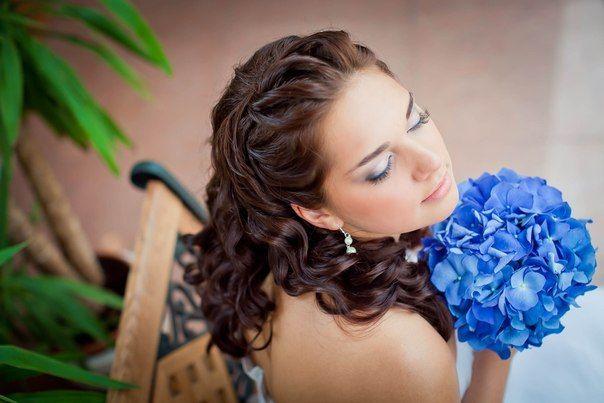 Long curls and unique blue bouquet #hot #sexy #hairstyles #hairstyle #hair #long #short #medium #buns #bun #updo #braids #bang #greek #braided #blond #asian #wedding #style #modern #haircut #bridal #mullet #funky #curly #formal #sedu #bride #beach #celebrity #simple #black #trend #bob #girls