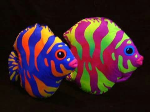 Pin By Gayle Kuhn On Interesting Nature Fish Painting Painted Rocks Fish Art