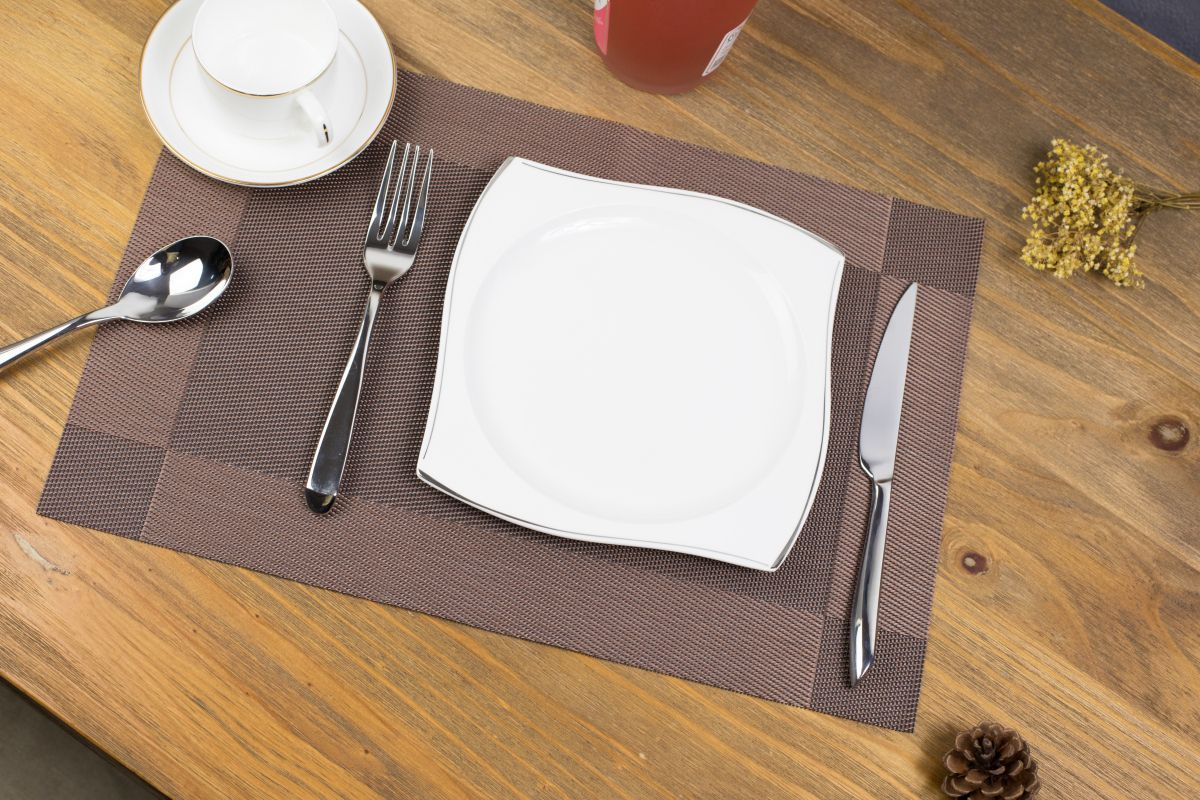 Kitchen High Quality Fashion European Simple Tstyle Pvc Placemat Heat Insulation Table Mat Protector Anti Skidding Set Of 4 P Kitchen Decor Placemats Tableware