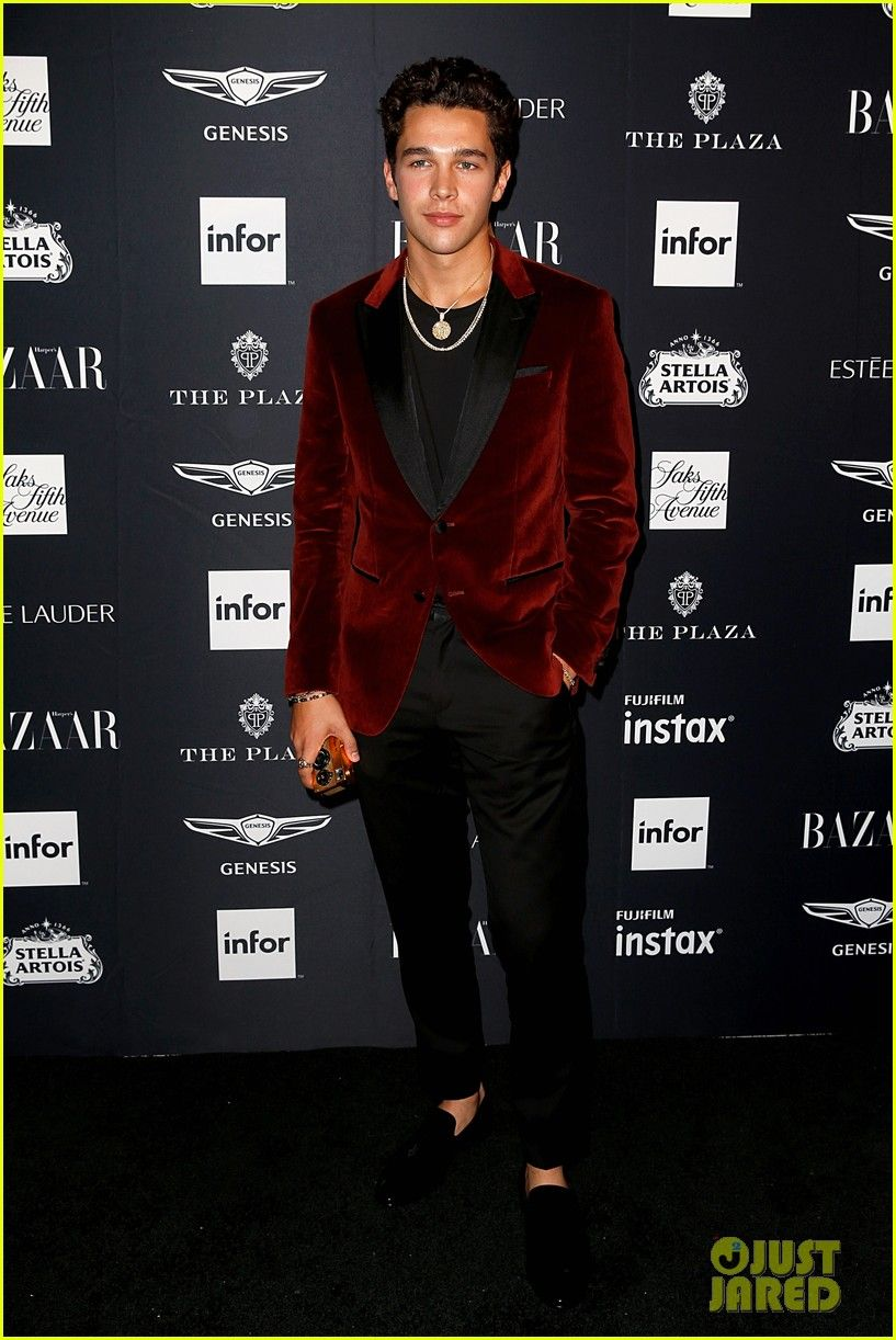 ... ♧Collezione Uomo di RilkeRainer. Austin Mahone suit up for Harper s  Bazaar icons gala 12 17efe6891c5