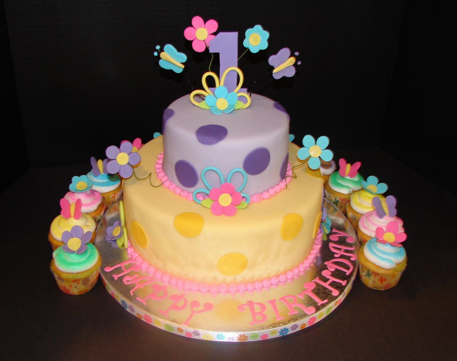 girl first birthday cakes