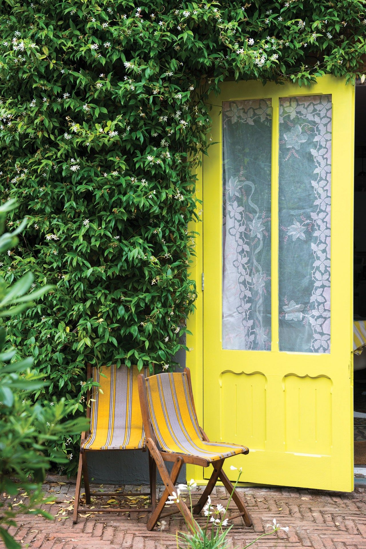 Exterior motives   Yellow front doors, Yellow doors ... on Front Range Outdoor Living id=45946
