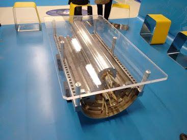 Hecha con un trozo del acelerador de partículas. Se encuentra en el CERN