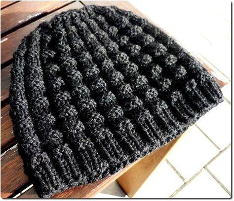 Diese Mütze passt zu Christians Schal. Das Muster ist einfach zu ...