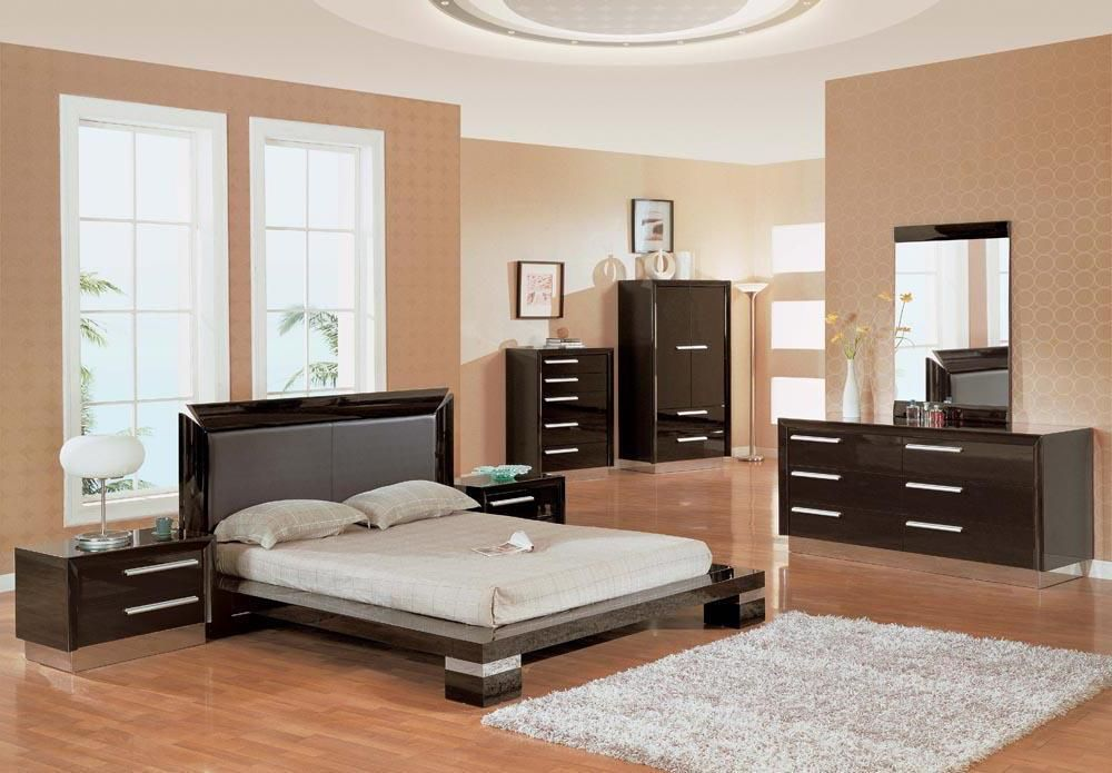 modern bedroom sets new york contemporary made in italy black leather furniture painted wall white ceramic floor house interior design