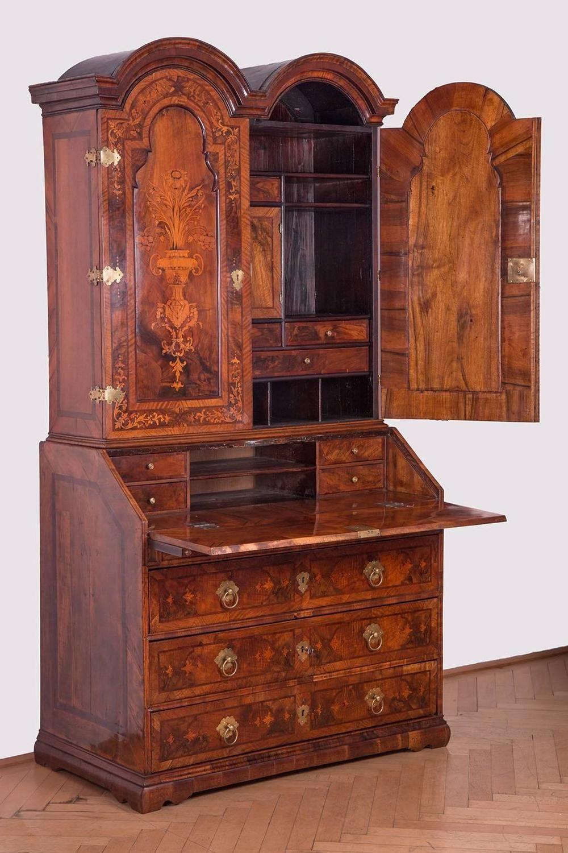 Baroque Cabinet on Chest á L'anglaise, Austria, circa 1730 ...