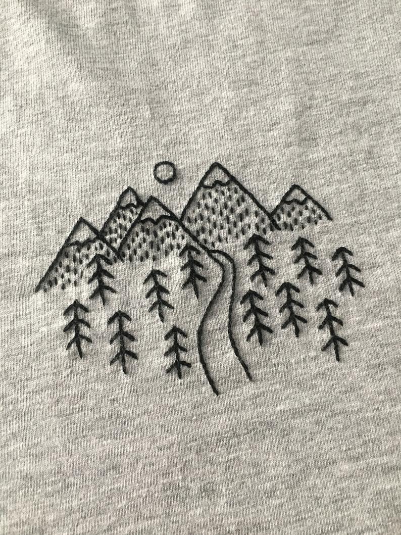 Travel To Mountain – HandMade Embroidery T-Shirt – funir