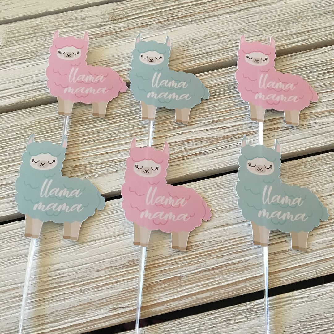 Celebrate the momtobe with these adorable llama mama