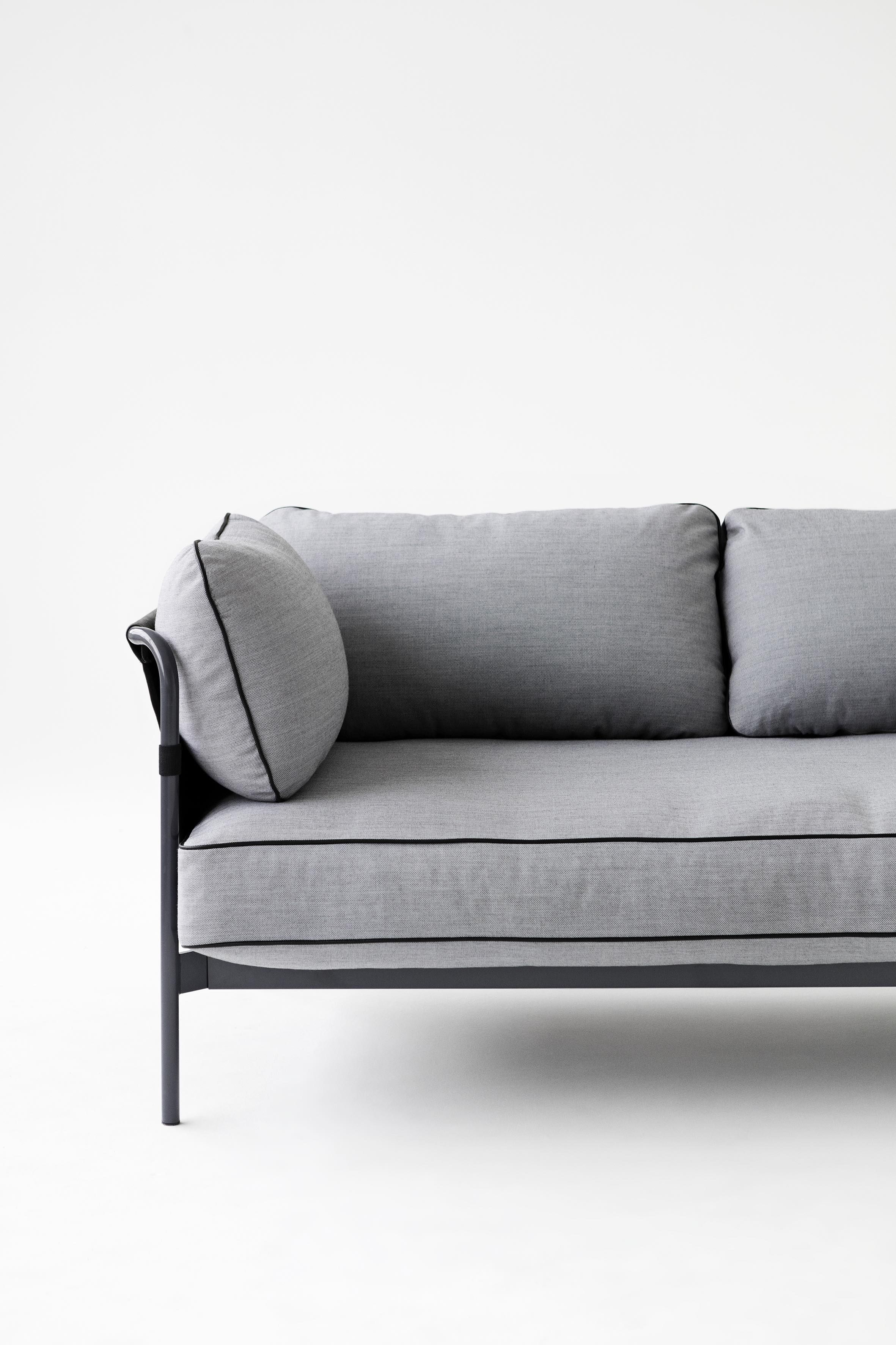 couch design klassiker wohn design. Black Bedroom Furniture Sets. Home Design Ideas