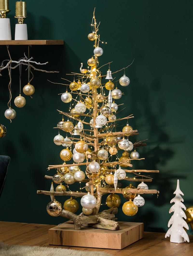 ein weihnachtsbaum mal anders dieser holzbaum ist minimalistisch und dennoch sehr elegant. Black Bedroom Furniture Sets. Home Design Ideas