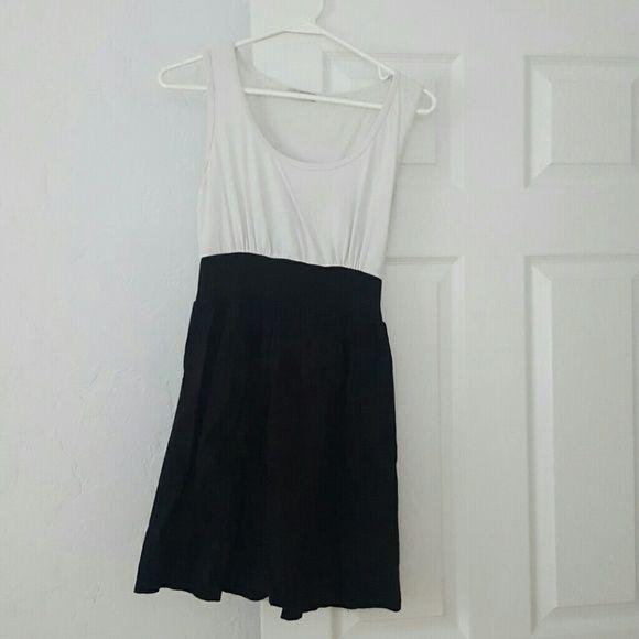 Dress Black Bottom White Top Dress Dresses Midi Black Dress