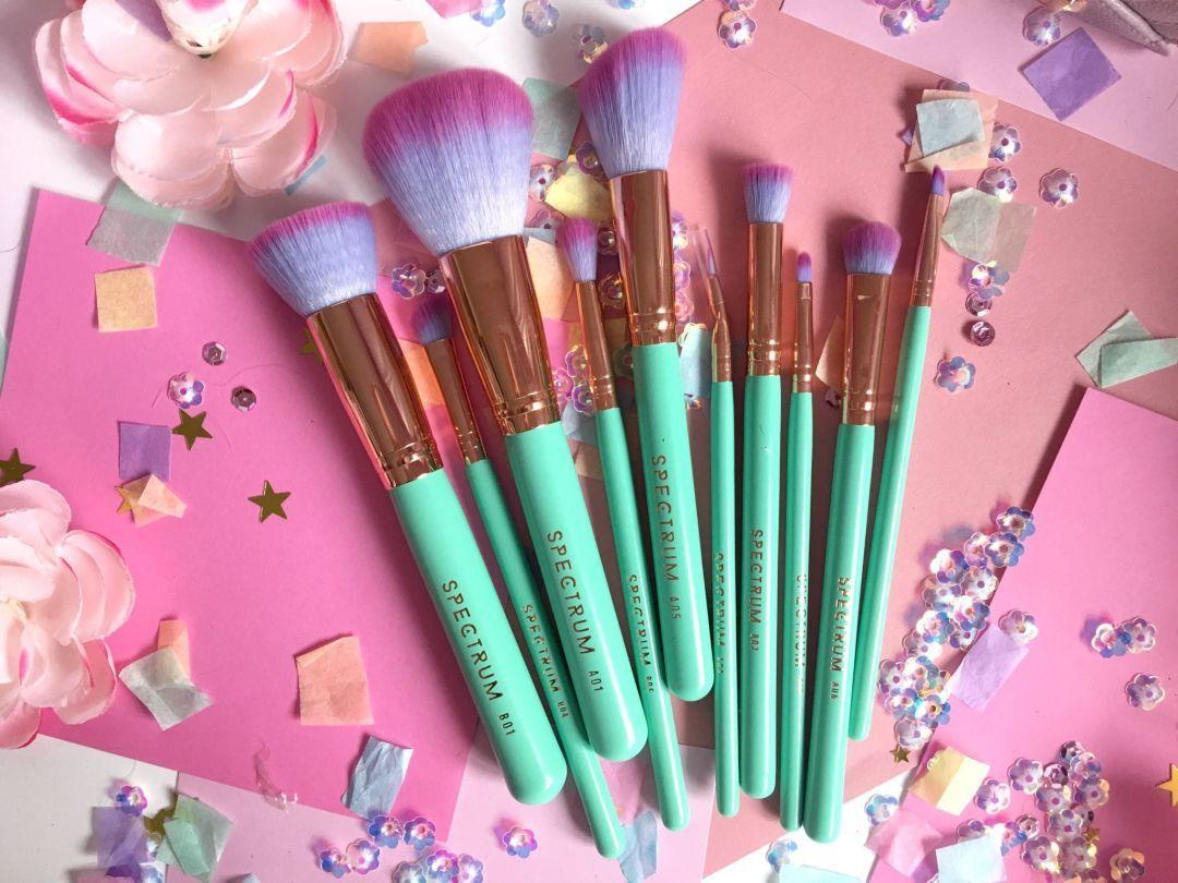 Spectrum Glam Clam Set Spectrum brushes, Makeup, Makeup