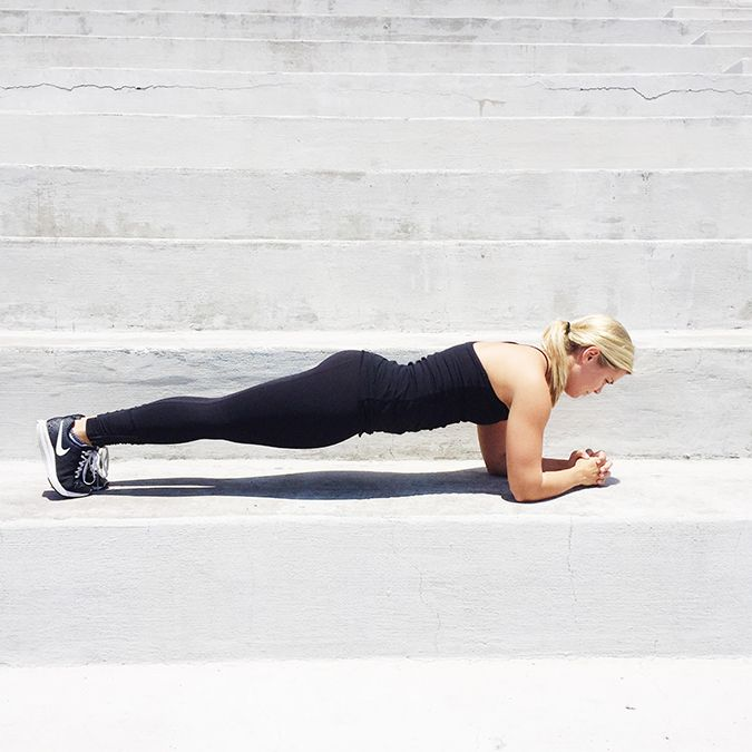Join Team LC in Lauren's 30-day ab challenge to get in shape for summer