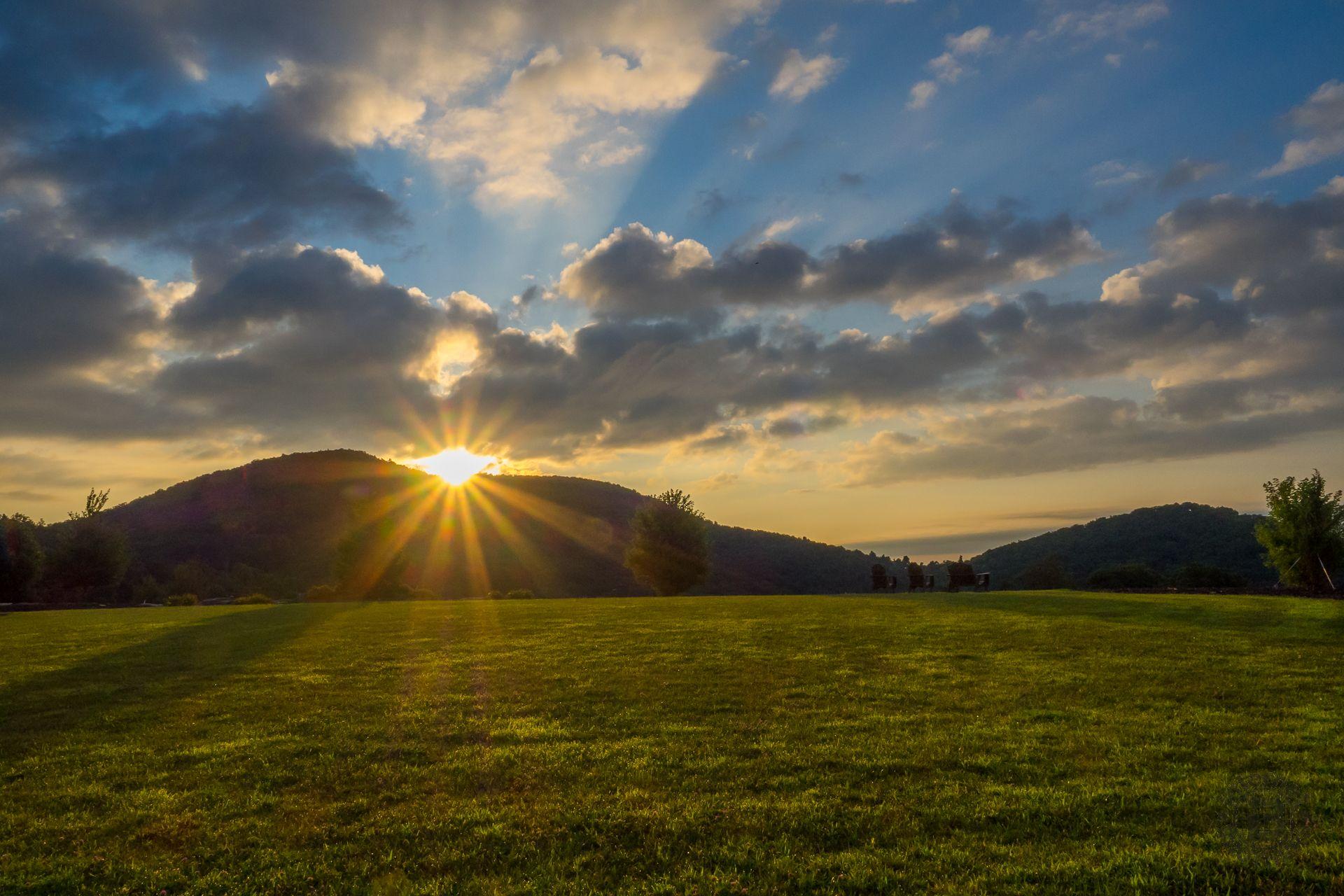Meanderthals | Grand Highlands at Bearwallow Mountain – A Photo Essay