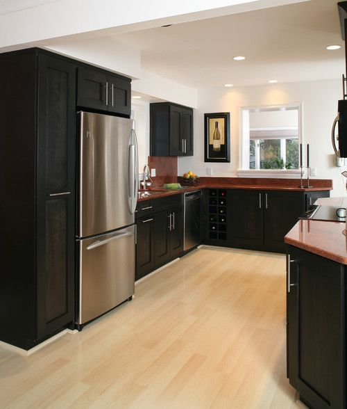 Kitchen With Light Maple Cabinets And Dark Countertops: Black-cabinets-and-red-countertops-with-light-maple-hardwood-flooring-also-windows-in-the-walls