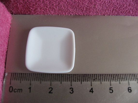 miniature dish 3 pieces **link broken but id love to have the mold for this
