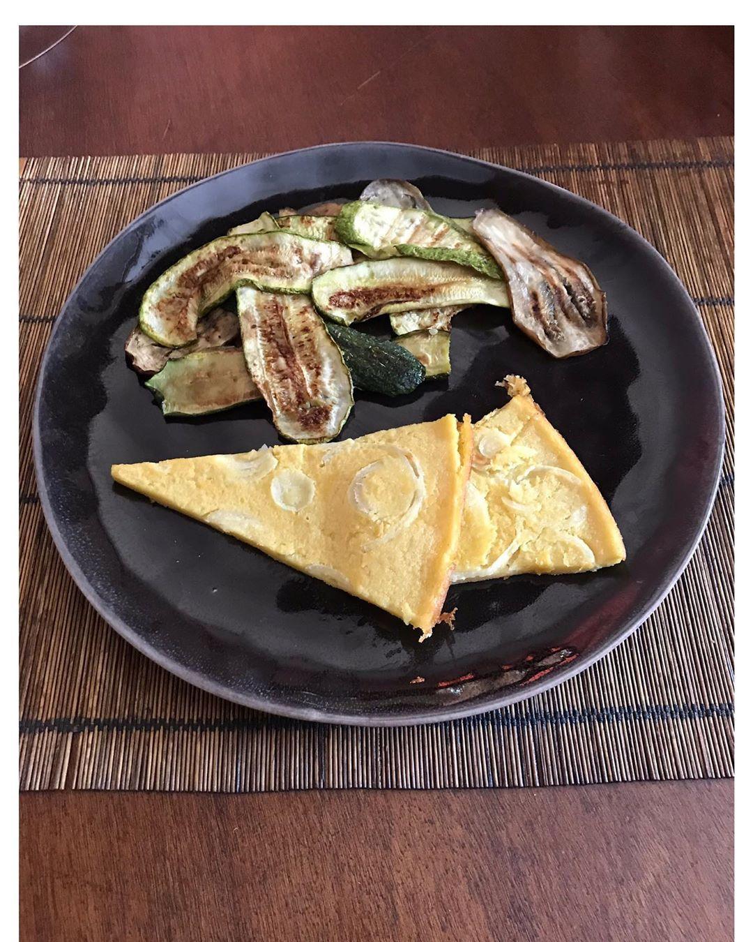 Zucchine e melanzane alla griglia  Farinata di ceci con cipolla