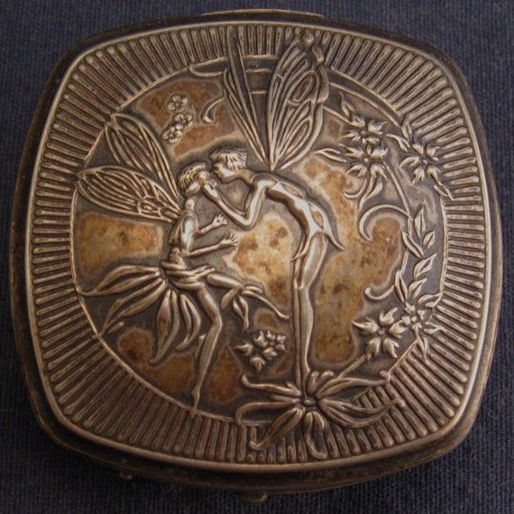 Vintage Compact Djer Kiss Deco  Fairies by VintageJewelsAndMore, $125.00