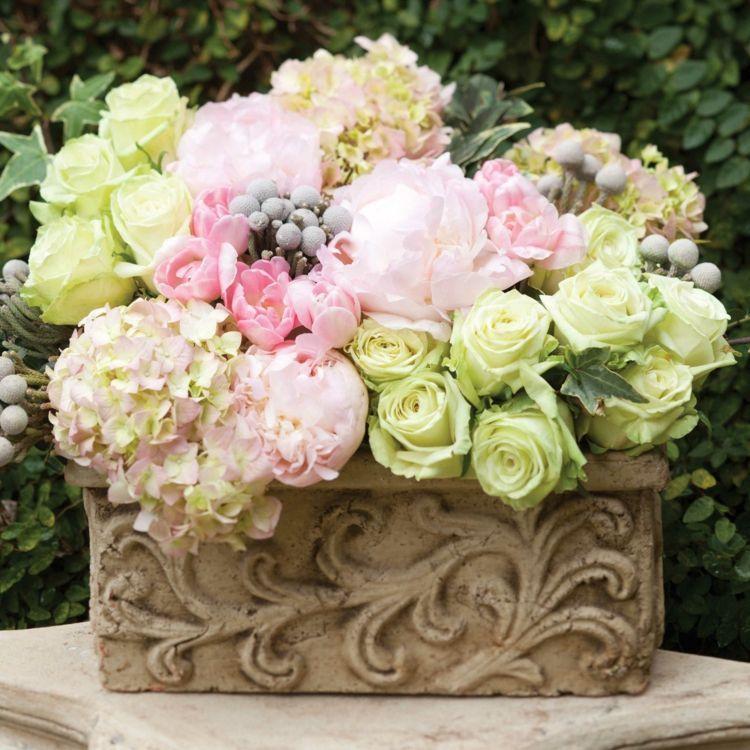 composition florale printani re 55 id es de d co maison pivoines roses hortensia et. Black Bedroom Furniture Sets. Home Design Ideas