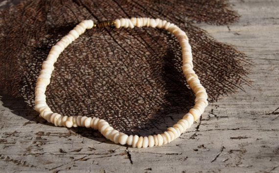 Vintage 70/'s Island Puka Shell /& Coral Necklace